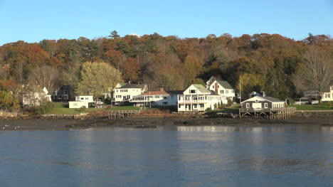 Maine-Boothbay-Harbor-houses-sx