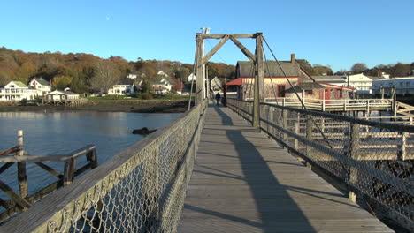 Maine-Boothbay-Harbor-board-walk-sx