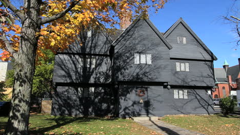 Massachusetts-Salem-witch-s-house-with-fall-leaves-cx