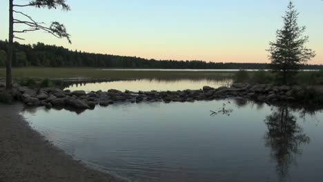 Minnesota-Lake-Itasca-Mississippi-headwaters-evening-sx