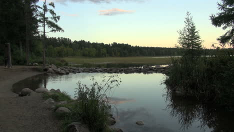 Minnesota-Lake-Itasca-Mississippi-River-headwaters-in-evening