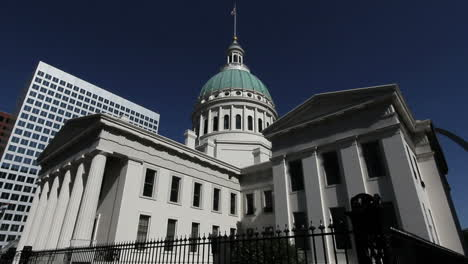 Missouri-St-Louis-old-courthouse-side-view-c
