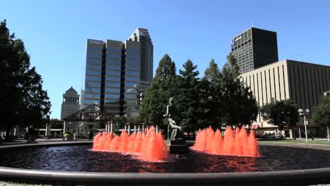 Fuentes-De-Missouri-St-Louis-Y-Estatua-C
