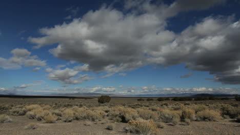 Nevada-Nubes-En-Un-Cielo-Azul-Timelapse