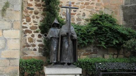 Spain-Extremadura-Caceres-Inquisition-statue-1