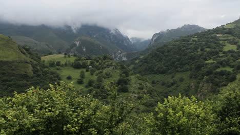 Spain-Cantabrians-rocky-gap-mist-1-c