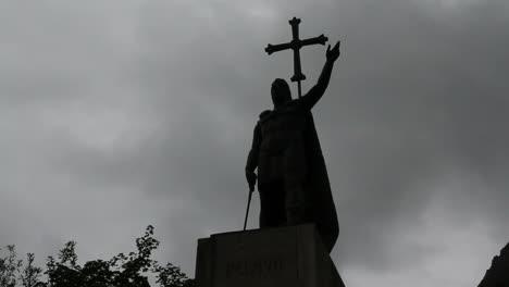 Spain-Asturias-Covadonga-statue-Pelayo-4