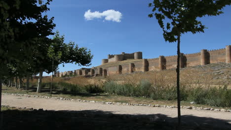Spain-Castile-Berlanga-de-Duero-city-walls-castle-6