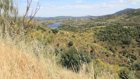 Spain-Castile-Valle-de-Iruelas-lake-and-hills