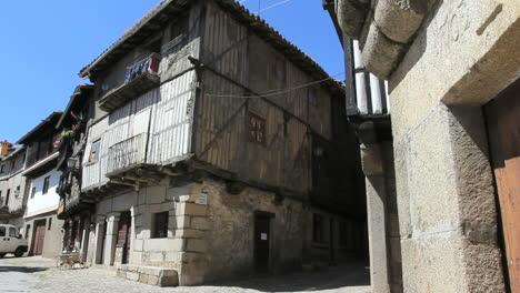 Spain-La-Alberca-half-timbered-house-1