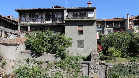 Spain-La-Alberca-half-timber-houses-3