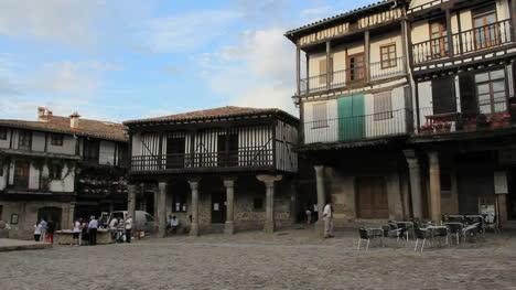Spain-La-Alberca-plaza-view-2