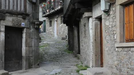 España-La-Alberca-Pareja-En-Calle-2