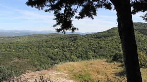 Spain-Salamanca-Sierra-de-Francia-wooded-hills