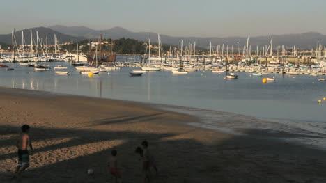 Spain-Galicia-Baiona-harbor-playing