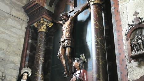 España-Galicia-Columnas-Oscuras-Crucifijo-2