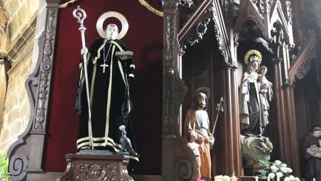 Spain-Galicia-Saints-inside-church-1a