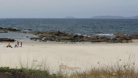 Spain-Galicia-Playa-Pregueira-tidepool-rocks-1