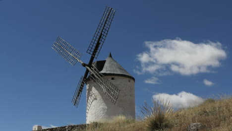 La-Mancha-windmills-at-Consuegra-timelapse-6