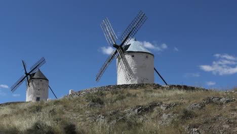 La-Mancha-windmills-at-Consuegra-3