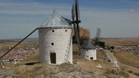 La-Mancha-windmills-with-castle