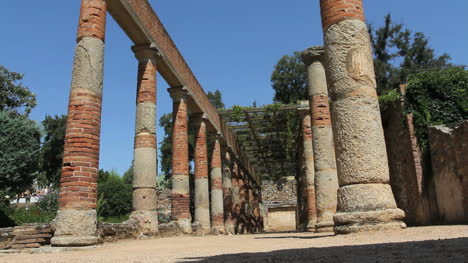 Spain-Merida-columns-of-house