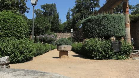 Spain-Merida-garden-in-ruins