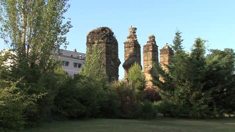 Merida-Aqueduct-and-storks-1