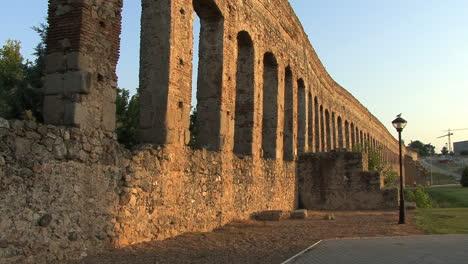 Spain-Merida-aqueduct-and-storks-1