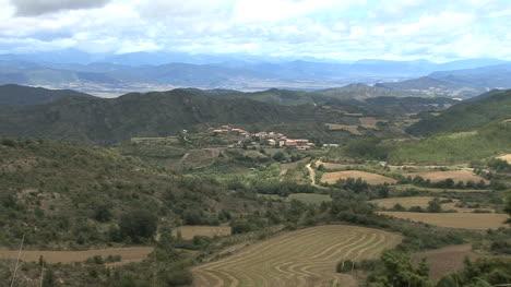 España-Pirineos-Pueblo-3a-Zoom-In