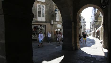 Arcos-Y-Calle-Santiago