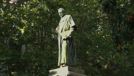 Santiago-scholar-statue-1