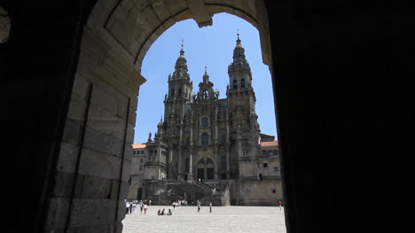 Santiago-cathedral-and-arch-3