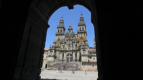 Santiago-cathedral-and-arch-5