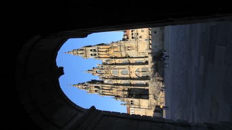 Catedral-De-Santiago-Y-Arco-Vertical
