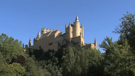 Segovia-castle-with-bird-i