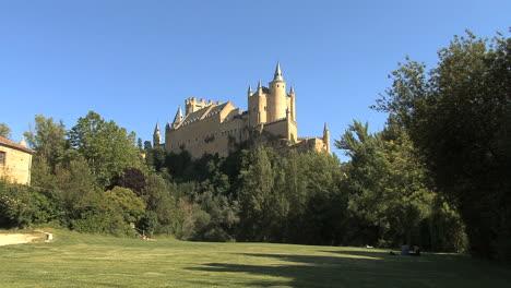 Segovia-castle-4bi