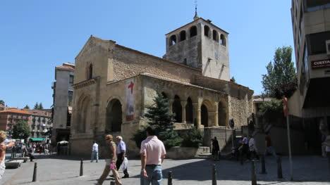 Segovia-San-Clemente-church-and-street