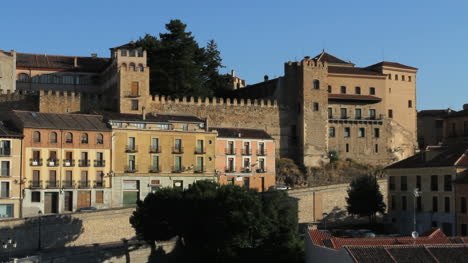 Paredes-De-La-Mañana-De-Segovia-En-España