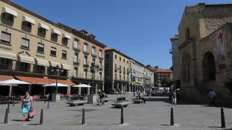 Segovia-San-Clemente-Iglesia-Y-Calle