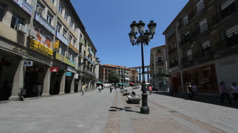 Segovia-steet-with-lamp-posts-3a