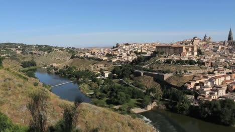Toledo-and-Rio-Tajo-view