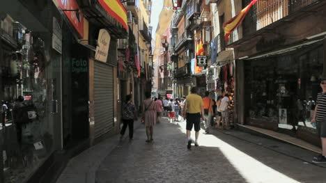 Toledo-narrow-street