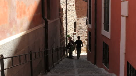 Toledo-man-in-alley-1