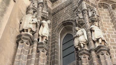 Toledo-Figures-San-Juan-De-Los-Reyes-Church-Q