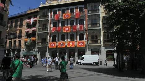 Toledo-plaza-decorated-for-Corpus
