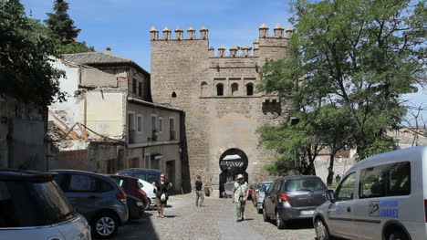Toledo-Gate-of-the-sun