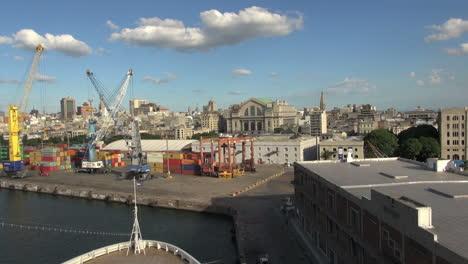 Uruguay-Montevideo-loading-equipment-at-corner-of-dock-1