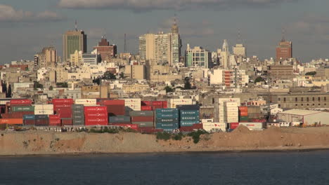 Montevideo-skyline-with-containers