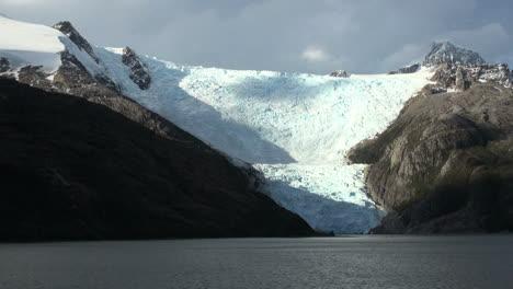 Patagonia-Beagle-Channel-Glacier-s7